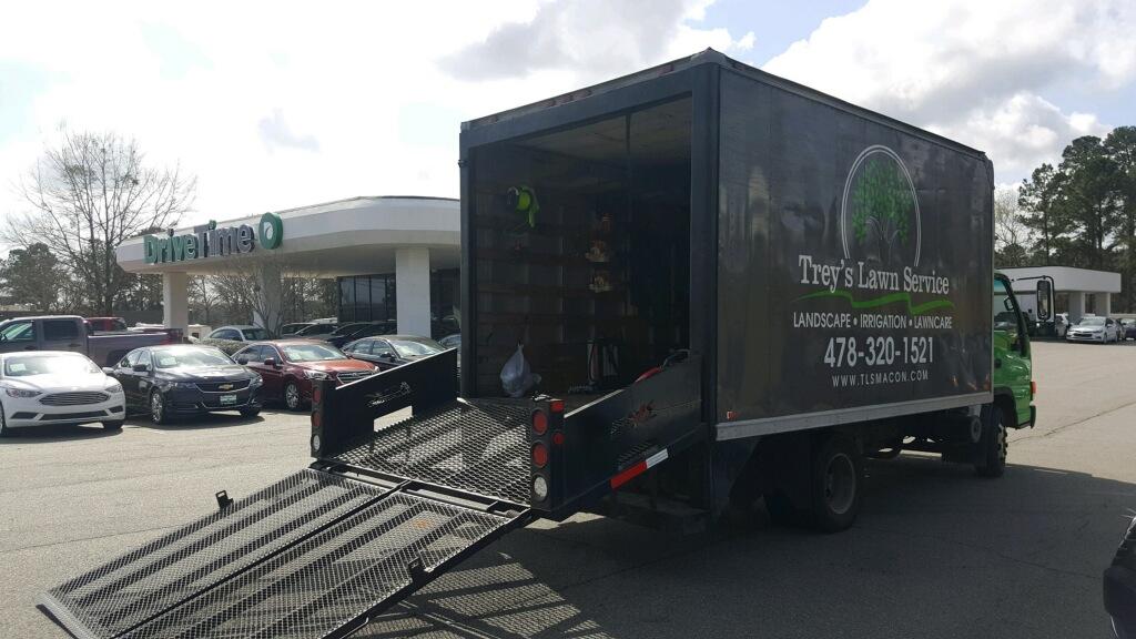 treys-lawn-service-commercial-services-macon