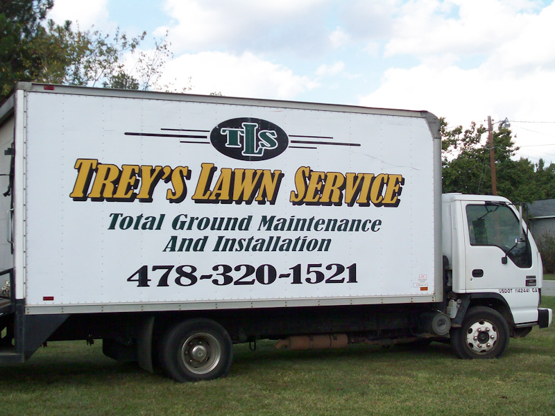 treys-lawn-service-truck-Perry-GA