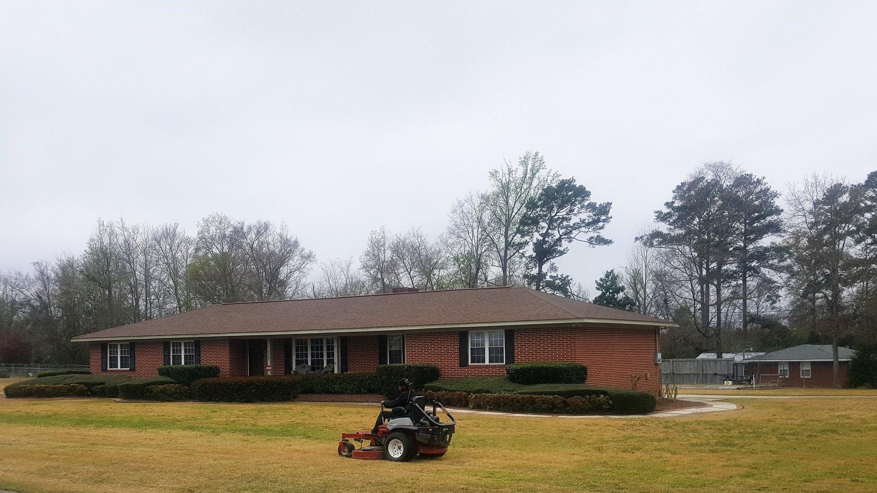 lawn maintenance Centerville GA